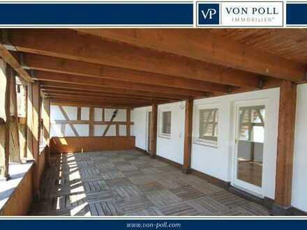 Charmante Wohnung mit 40 m² überdachtem Balkon -Einzug sofort-