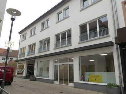 ++ ERSTBEZUG NACH SANIERUNG! Apartment im Loftstyle im 1.OG in LD-Zentrum! ++
