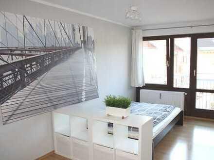 Vollmöbliertes 1 Zi.-Apartment in Toplage - frei ab 1.6./ 15.6./ 1.7. von PRIVAT