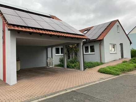 Schönes, geräumiges Haus mit fünf Zimmern in Geiselwind, Kreis Kitzingen