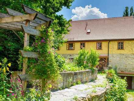 400 Jahre altes Haus mit sechs Zimmern, drei Bädern und Einbauküche in Dresden-Strehlen