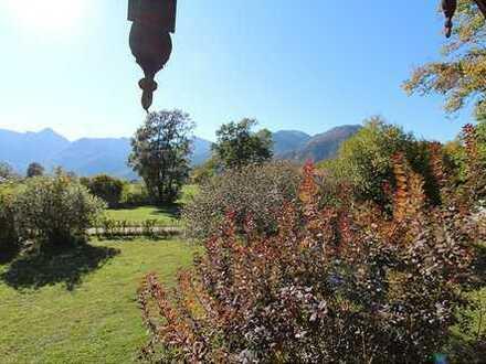 Herrlich großes, sonniges Grundstück mit Bergblick und baufälligem Wohnhaus
