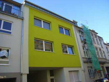 Kleine Dachgeschosswohnung in ruhiger Lage - Erstbezug nach Sanierung!