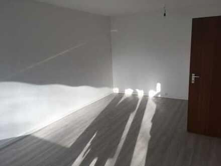 Bensberg: komplett sanierte Wohnung mit Einbauküche - sofort bezugsfertig