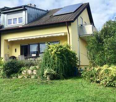Familienfreundliche DHH mit schönem Garten in attraktiver Lage und mit herrlichem Ausblick!