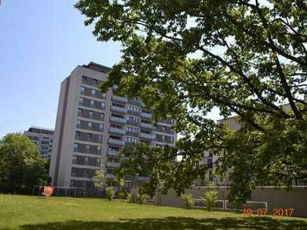 3,5-Raumwohnung mit 2 Balkonen - Dresden-Altstadt