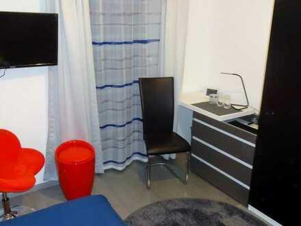 Mod. möbli. WG-Zimmer (1) mit TV, WLAN, Gem.-Küche/Du, KM 330 € + 120 € NK pauschal (450 € gesamt)