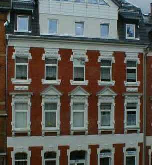 Preiswerte 3-Zimmer-Wohnung im amerikanischen Wohnstil mit Einbauküche und Balkon in Plauen