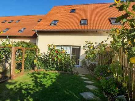 Sehr schönes Reihenmittelhaus mit eingezäunten Gartengrundstück, in ruhiger Lage von Stendal