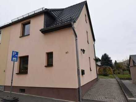 solide Doppelhaushälfte in Zwickau