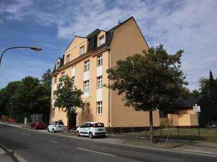 2015 schick modernisierte Wohnung mit Balkon und Einbauküche, bezugsfertig auch für WG
