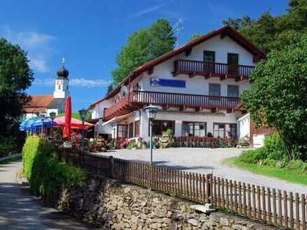 Berggasthof bzw. Wohn- und Geschäftshaus in Alleinlage m. Weitblick u. gr. Grundstück b. Deggendorf