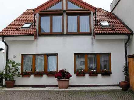 Gepflegte 2-Zimmer-Wohnung mit Balkon und EBK in Bad Dürkheim