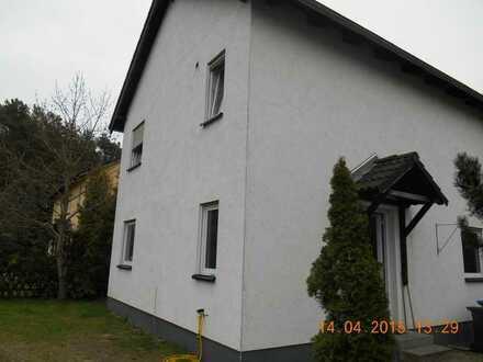 freistehendes vollunterkellertes Einfamilienhaus in ruhiger Wohnsiedlung in Sommerfeld