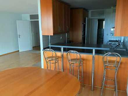 Große 5-Zimmer Wohnung mit herrlichem Blick ins Grüne
