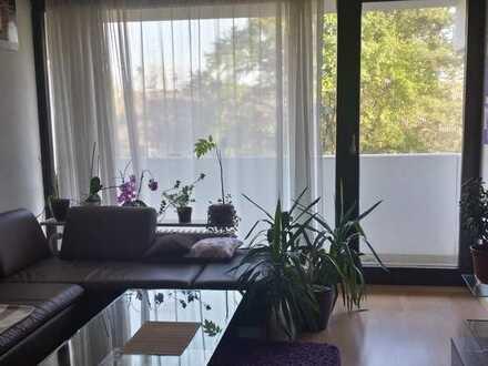 Modernisierte 2-Zi Wohnung mit schönem Balkon in Augsburg Hochzoll