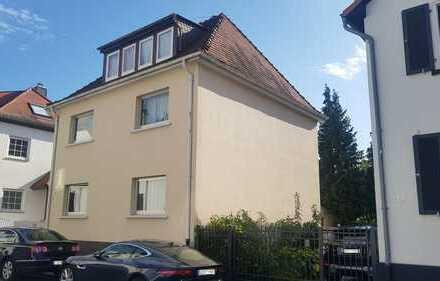 Freistehendes älteres Wohnhaus mit fünf Zimmern in Offenbach (Kreis), Egelsbach