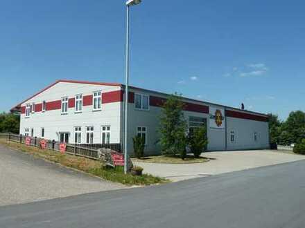 Gewerbehalle mit Büro und großer Freifläche bei Regensburg, direkt an B 16, provisionsfrei
