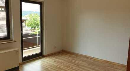 Gepflegte 2-Zimmer-Wohnung mit Balkon und Einbauküche in Esslingen