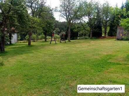 Modernisierte 4-Raum-Wohnung mit Süd-Balkon und Gartenblick in Hersbruck - großer Garten für Kinder