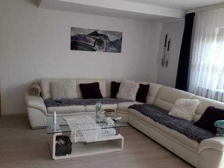 Sanierte 3-Zimmer-Wohnung mit Terrasse und Vorgarten in Asperg