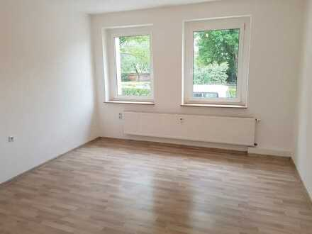 Hochwert. sanierte 2-Raumwohnung mit Balkon in ruhiger Lage! + mit Laminatboden + Einbauküchenoption