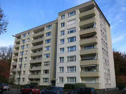 Großzügige 4 Zimmerwohnung mit PKW-Stellplatz im Kölner Norden - sofort frei!
