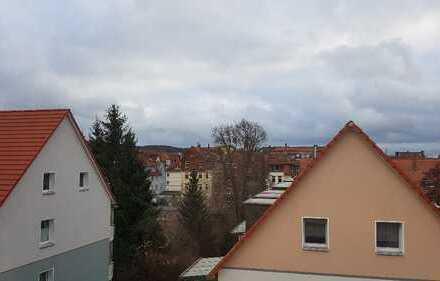 Attraktive 3,5-Zimmer-DG-Wohnung mit Einbauküche in der Oststadt