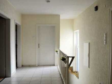 700 €, 107 m², 4 Zimmer