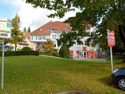 Gewerbeeinheit plus Wohnung und drei Stellplätze in Neckargartach zu verkaufen – ca. 6,5 % Rendite