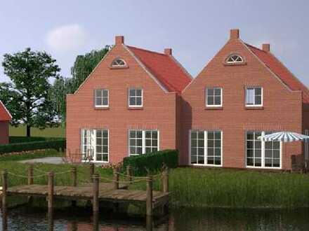 Geräumige Doppelhaushälfte mit Wassergrundstück