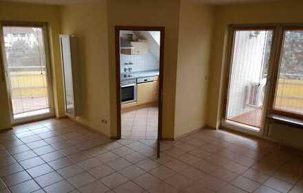 Gepflegte 4-Zimmer-Maisonette-Wohnung mit Balkon und EBK in Bad Dürkheim