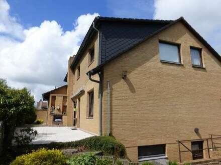 Großzügiges Zweifamilienhaus in Wald-Randlage von Völkenrode!