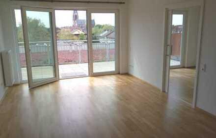 ++ BETREUTES WOHNEN + helle & große 2 Zi.-Penthouse-ETW + ca. 63 qm Wfl. + Aufzug + gr. Terrasse ++