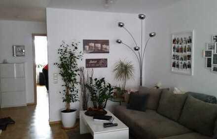Gepflegte 3-Zimmer-Wohnung mit Balkon und Einbauküche in Backnang