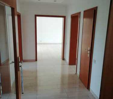Schöne, geräumige drei Zimmer Wohnung in Düsseldorf, Vennhausen