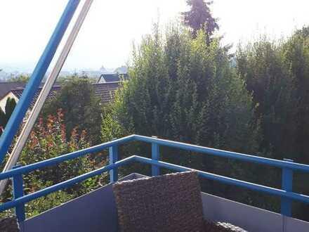 4-Zimmer-Wohnung mit Panorama-Aussicht, Balkon und EBK in Reutlingen, Lerchenbuckel