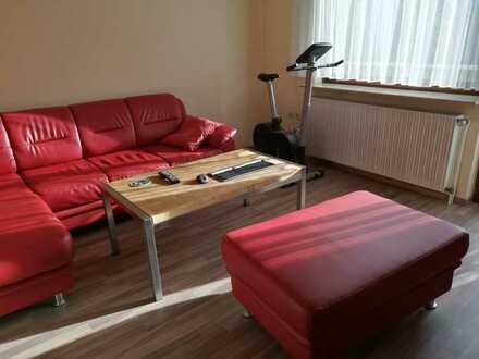 Gepflegte Hochparterre-Wohnung mit drei Zimmern und Balkon in Pforzheim - Eutingen