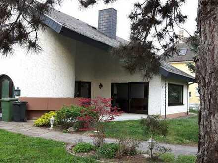 Gemütliche 2,5 Zimmer DG-Wohnung sowie Balkon und EBK in Endingen am Kaiserstuhl
