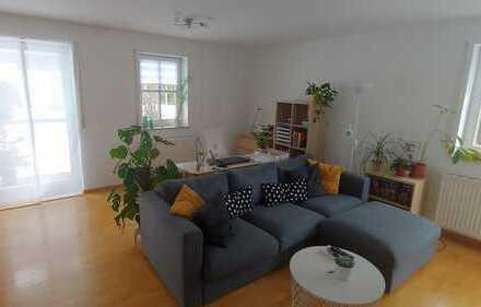 Helle 2-Zimmer-Hochparterre-Wohnung mit Balkon und Garten in Penzberg
