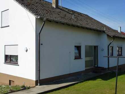 Freistehendes Einfamilienhaus mit großem Potential!!