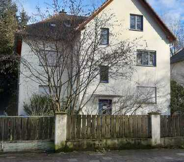 Gepflegte 4-Zimmer-Wohnung mit Balkon und Gartenmitbenutzung in Dreieich,