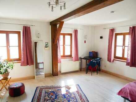 Großzügige Obergeschoss Wohnung in Waldmünchen