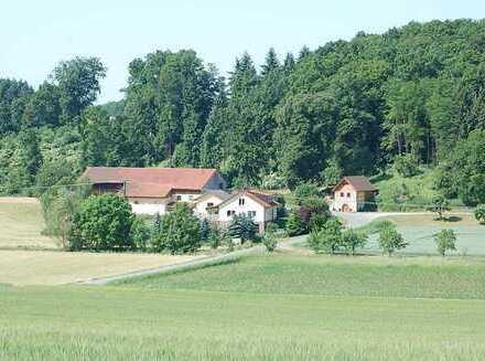 Alleinlage Immobilie mit über 25000 m² Grundstücksfläche.