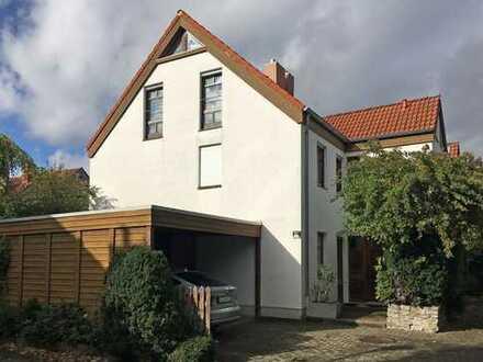 Charmante Einfamilien-Doppelhaushälfte im beliebten Nikolausberg