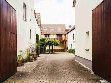 Wattenheim - für die große Familie: Großzügiges Wohnhaus mit ELW und attraktivem Außenbereich