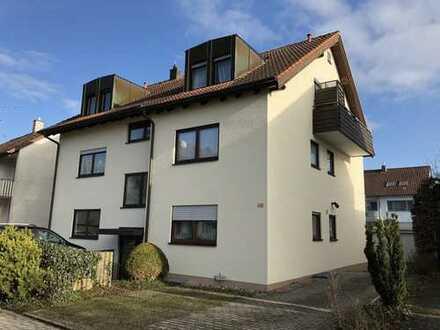 Top Lage in Herrenberg: 2-Zimmer-Dachgeschoss-Wohnung mit Zusatzraum und Einzelgarage