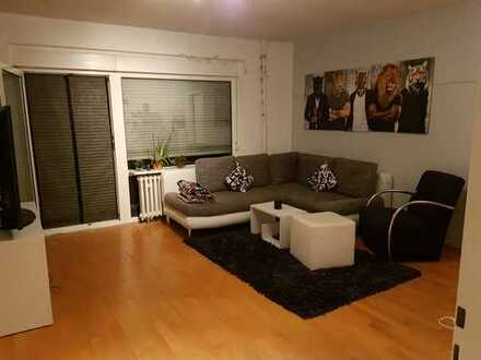 Gepflegte 3-Zimmer-Wohnung mit Balkon und Einbauküche in Zündorf, Köln