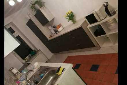 Große 4-Zimmer-Wohnung mit 2 Balkone zu vermieten!!!