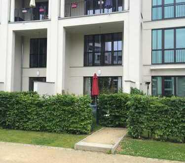 Ein Haus im Haus, 4 Zimmer im Prenzlauer Berg mit Keller und Gartenanteil!